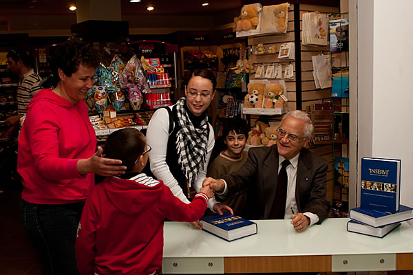 inservi_signing_x600_1