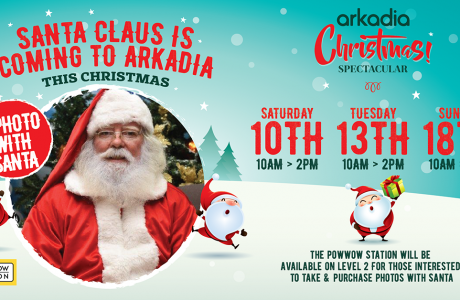 Santa Claus at Arkadia   Take a photo with the Powwow station